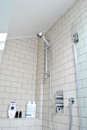 JDK Builders - Ensuite Bathroom 4